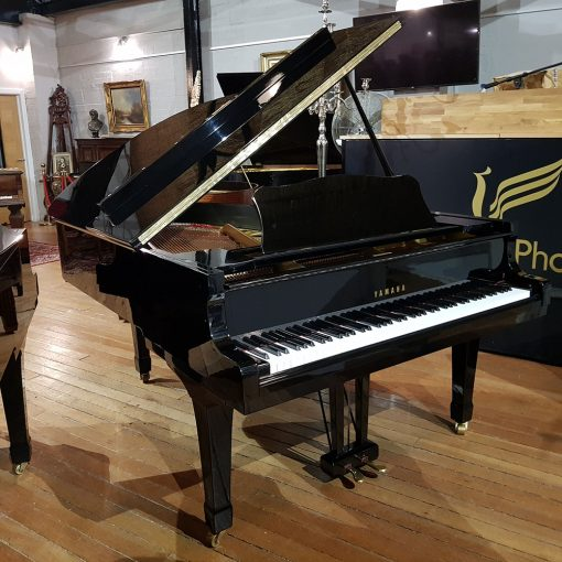 Used Yamaha G5 grand piano, in a black polyester case, for sale.