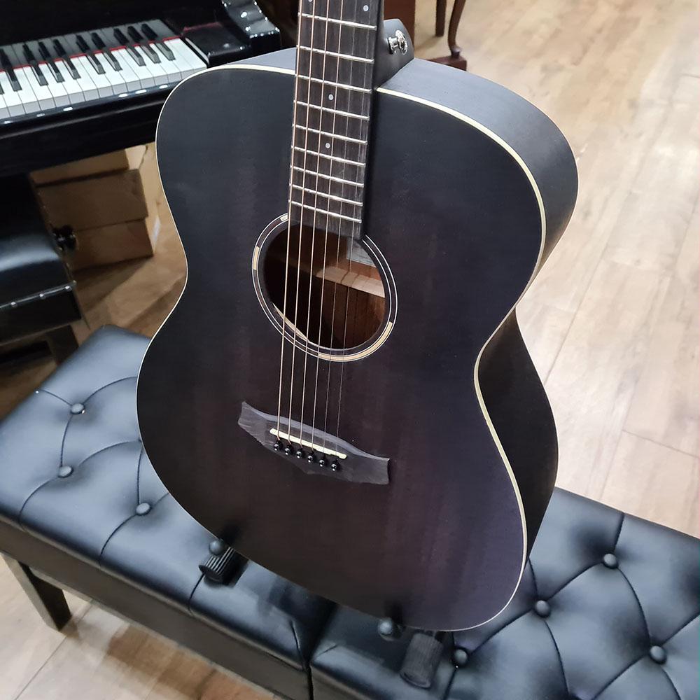 Smokestack Black Satin Tanglewood TWBBSDE Blackbird Dreadnought Electro Acoustic Guitar
